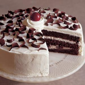 5 Star Black Forest Cake 1 Kg