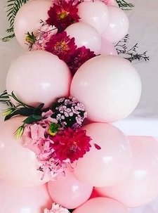 25 white and pink balloons with leaves and flowers
