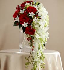 12 Red Roses ad 10 White orchids in vase