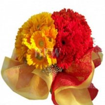 6 yellow and 6 Red Gerberas 2 side Bouquet