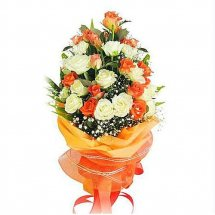 24 Orange and white roses bouquet