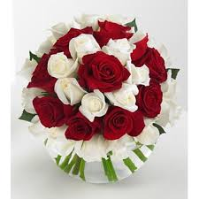 25 Red and white roses alternate Bouquet