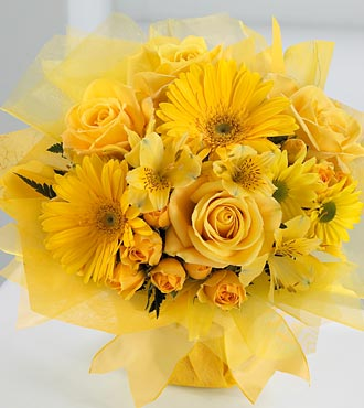 10 Yellow gerberas yellow roses Basket