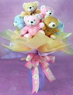 Five Teddy bears in a bouquet