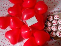20 Air filled heart shaped balloons