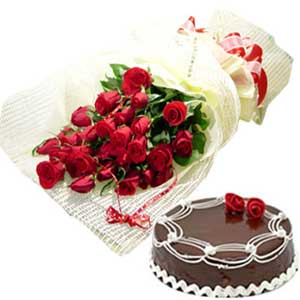 Midnight-12 Red Roses +1/2 Kg Cake