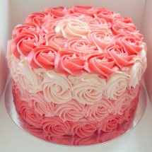 1 Kg Ombre Strawberry Cake