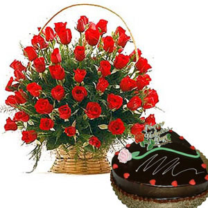 1 kg Heart Chocolate Cake + 24 red roses Basket